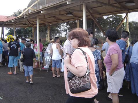 ワイアルアで開催される朝市(カントリーマーケット)